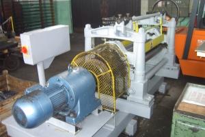 Valjčni stroj za ravnanje pločevine